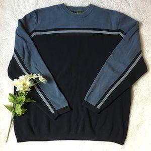 💙Eddie Bauer Navy striped pullover sweater💙